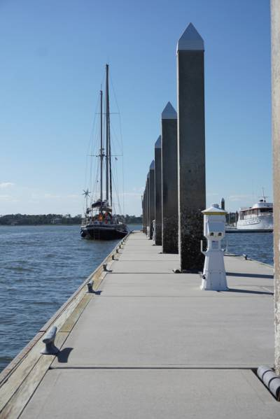 Am Steg des Savannah Yacht Clubs
